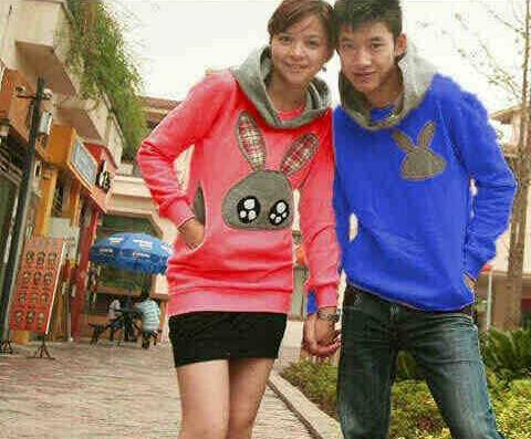 sweater couple bunny pink biru
